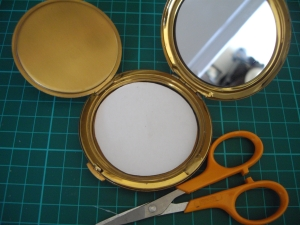 Check the shape of your card - vintage powder compact sifter