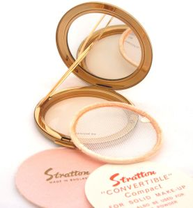 A vintage Stratton convertible powder compact with powder ring and original sifter (recently sold over a VanRoe Compacts)