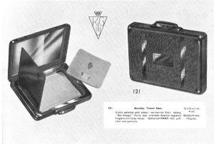 KIGU 1952 bon voyage suitcase powder compact
